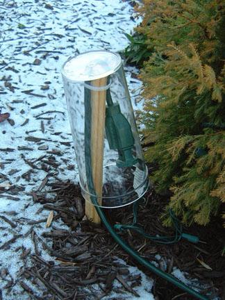 2008-12Christmas-25-Lights-CordRouting.jpg